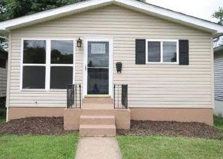 Casa en ejecución hipotecaria in Saint Louis, MO, 63143,  HERMITAGE AVE ID: P1542530