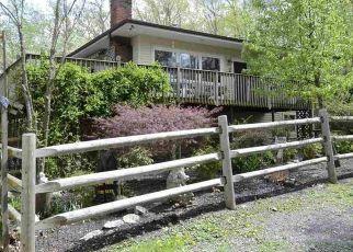 Casa en ejecución hipotecaria in Pine Bush, NY, 12566,  RED BARN RD ID: P1544037
