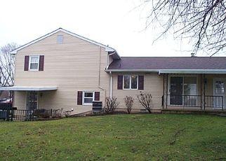 Casa en ejecución hipotecaria in New Holland, PA, 17557,  W BROAD ST ID: P1546790