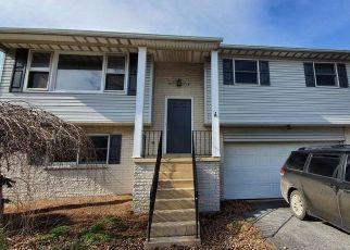 Casa en ejecución hipotecaria in New Holland, PA, 17557,  E MAIN ST ID: P1546794