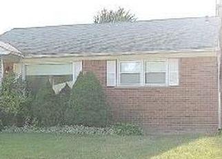 Casa en ejecución hipotecaria in Redford, MI, 48240,  SUMNER ID: P1551746
