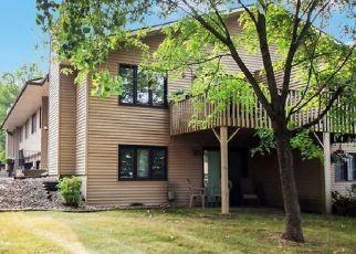 Casa en ejecución hipotecaria in Inver Grove Heights, MN, 55076,  76TH ST E ID: P1555995
