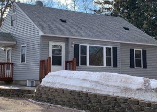 Casa en ejecución hipotecaria in Circle Pines, MN, 55014,  CENTER RD ID: P1556017