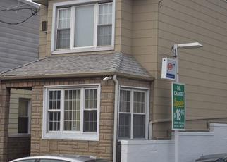 Casa en ejecución hipotecaria in Ridgewood, NY, 11385,  COOPER AVE ID: P1563448