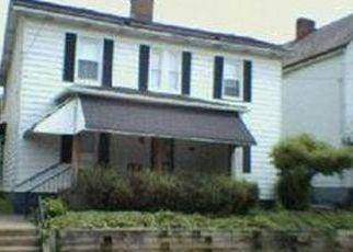 Casa en ejecución hipotecaria in Elizabeth, PA, 15037,  6TH AVE ID: P1567140