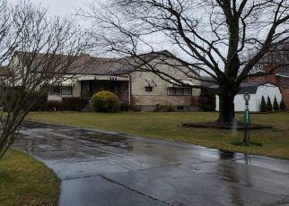 Casa en ejecución hipotecaria in Ford City, PA, 16226,  ELM DR ID: P1568479