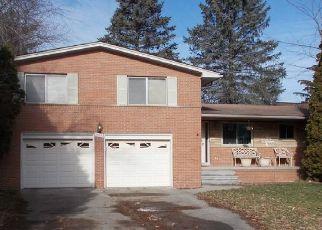 Casa en ejecución hipotecaria in Southfield, MI, 48076,  MEADOWBROOK WAY ID: P1569110