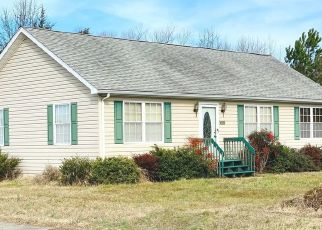 Casa en ejecución hipotecaria in Greensboro, MD, 21639,  N SCHOOL ST ID: P1575902