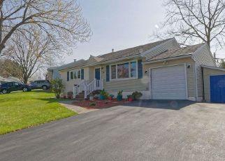 Casa en ejecución hipotecaria in Latham, NY, 12110,  NELSON AVE ID: P1578212