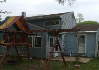 Casa en ejecución hipotecaria in Brentwood, NY, 11717,  ARTHUR ST ID: P1581441