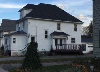 Casa en ejecución hipotecaria in Lyndonville, NY, 14098,  MAPLE AVE ID: P1584236