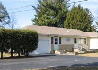 Casa en ejecución hipotecaria in Red Hook, NY, 12571,  N BROADWAY ID: P1587566