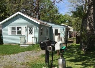 Casa en ejecución hipotecaria in Canandaigua, NY, 14424,  GREENBRIAR DR ID: P1587654