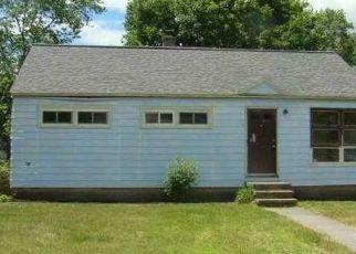 Casa en ejecución hipotecaria in South Glens Falls, NY, 12803,  MOUNTAIN VIEW DR ID: P1588064