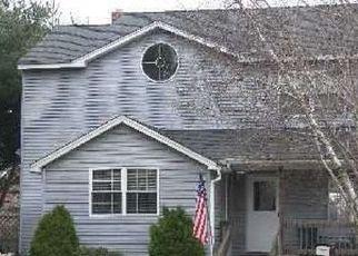 Casa en ejecución hipotecaria in Bayport, NY, 11705,  GILLETTE AVE ID: P1588171