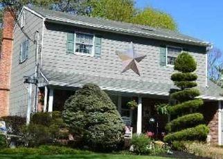 Casa en ejecución hipotecaria in Nesconset, NY, 11767,  GIBBS POND RD ID: P1589668