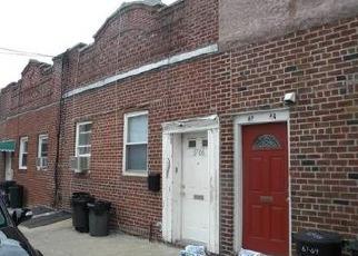 Casa en ejecución hipotecaria in Middle Village, NY, 11379,  79TH ST ID: P1589762