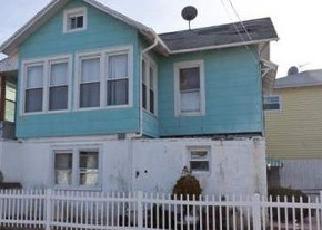 Casa en ejecución hipotecaria in Arverne, NY, 11692,  THURSBY AVE ID: P1590969