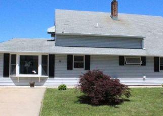 Casa en ejecución hipotecaria in Levittown, PA, 19055,  RUSSETT LN ID: P1595475