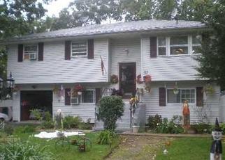 Casa en ejecución hipotecaria in Shirley, NY, 11967,  LAMA DR ID: P1595864