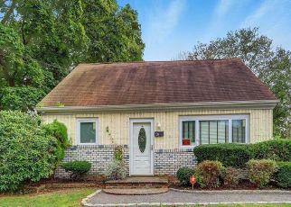 Casa en ejecución hipotecaria in Wyandanch, NY, 11798,  STATE AVE ID: P1595883