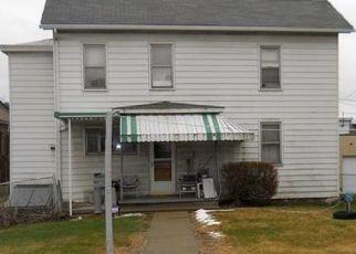 Casa en ejecución hipotecaria in Tarentum, PA, 15084,  E 9TH AVE ID: P1597738