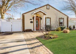 Casa en ejecución hipotecaria in Oceanside, NY, 11572,  FORTESQUE AVE ID: P1599056