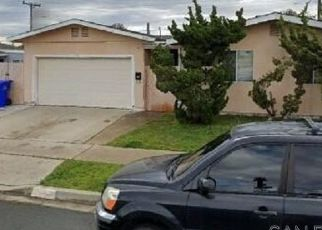 Casa en ejecución hipotecaria in San Diego, CA, 92117,  DAWNE ST ID: P1599522