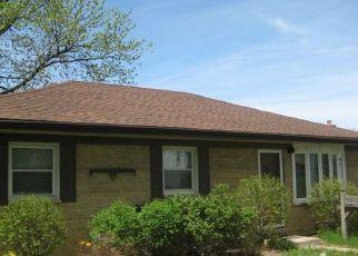 Casa en ejecución hipotecaria in Chicago Ridge, IL, 60415,  OAK AVE ID: P1600012