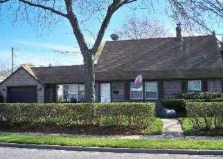 Casa en ejecución hipotecaria in Levittown, NY, 11756,  COTTON LN ID: P1601512