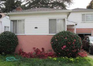 Casa en ejecución hipotecaria in Oakland, CA, 94621,  OLIVE ST ID: P1602211