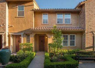 Casa en ejecución hipotecaria in Valencia, CA, 91354,  HERRERA ST ID: P1602317
