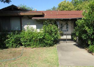 Casa en ejecución hipotecaria in Carmichael, CA, 95608,  WALNUT AVE ID: P1602521