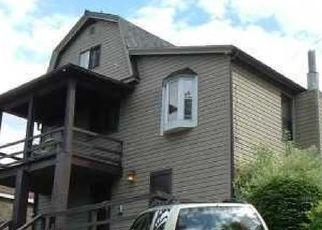 Casa en ejecución hipotecaria in East Pittsburgh, PA, 15112,  RIDGE ST ID: P1602867