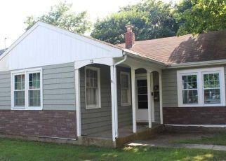 Casa en ejecución hipotecaria in Blue Point, NY, 11715,  KENNEDY AVE ID: P1605382