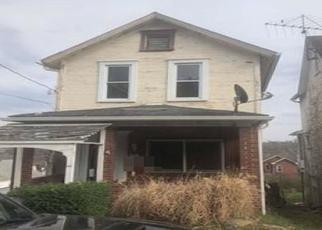 Casa en ejecución hipotecaria in Tarentum, PA, 15084,  W 9TH AVE ID: P1605431