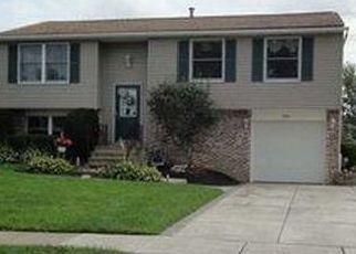 Casa en ejecución hipotecaria in Hamburg, NY, 14075,  OAKHILL DR ID: P1608810