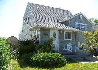 Casa en ejecución hipotecaria in Babylon, NY, 11702,  SHERIDAN RD ID: P1622797
