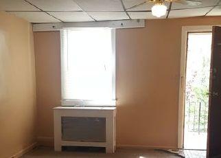 Casa en ejecución hipotecaria in Upper Darby, PA, 19082,  CLOVER LN ID: P1624556