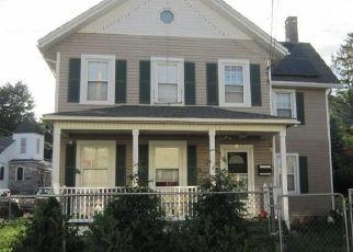 Casa en ejecución hipotecaria in Highland Falls, NY, 10928,  CHURCH ST ID: P1626543