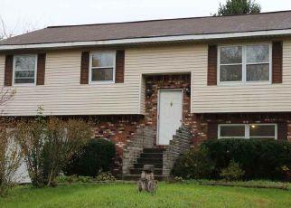 Casa en ejecución hipotecaria in Waterford, NY, 12188,  SHEAR CT ID: P1628903