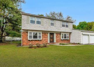 Casa en ejecución hipotecaria in Stony Brook, NY, 11790,  MILLBROOK DR ID: P1629526