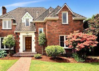 Casa en ejecución hipotecaria in Seattle, WA, 98199,  W VIEWMONT WAY W ID: P1630691