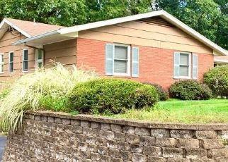 Casa en ejecución hipotecaria in Pittsford, NY, 14534,  ROLLINGWOOD DR ID: P1639505