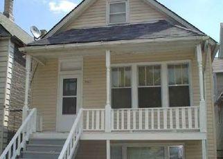 Casa en ejecución hipotecaria in Chicago, IL, 60617,  S ESCANABA AVE ID: P1641630