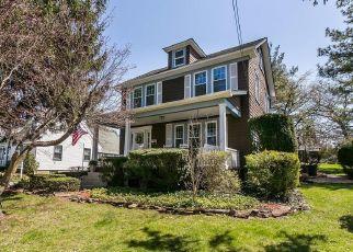 Casa en ejecución hipotecaria in Lutherville Timonium, MD, 21093,  CINDER RD ID: P1642830