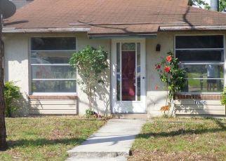 Casa en ejecución hipotecaria in Orange Park, FL, 32065,  SOLAR CIR ID: P1643022