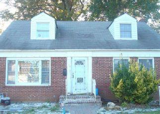 Casa en ejecución hipotecaria in Hempstead, NY, 11550,  MARTIN AVE ID: P1646039