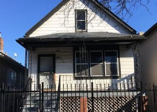 Casa en ejecución hipotecaria in Chicago, IL, 60617,  S SAGINAW AVE ID: P1646574