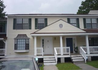 Casa en ejecución hipotecaria in Hinesville, GA, 31313,  PINELAND AVE ID: P1649022